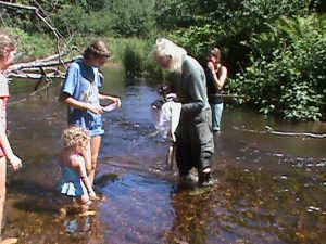 Yellow Dog Riverkeeper teaches children along Salmon-Trout River